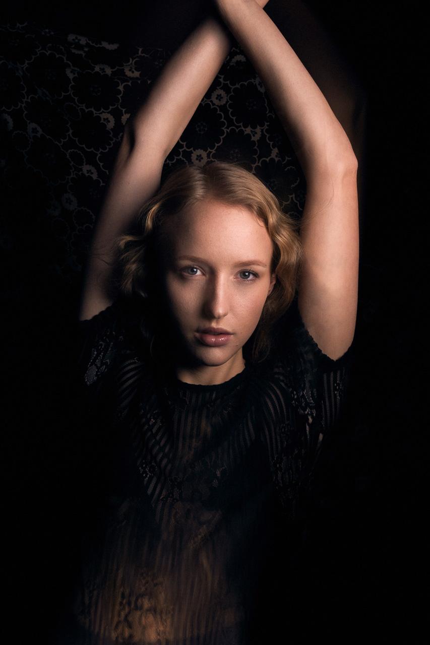 Fotograf München Fashion Portrait Fotostudio Model Editorial