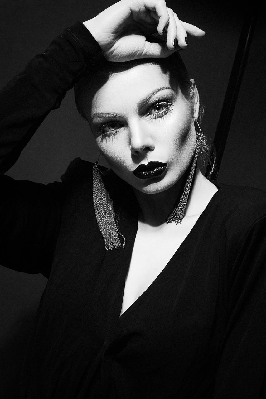 Fotograf München Fashion Portrait Fotostudio Model Sedcard
