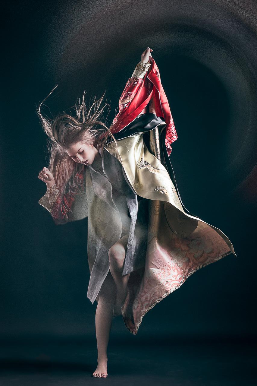 Fotograf München Fashion Mode Miegakure Editorial Fotostudio